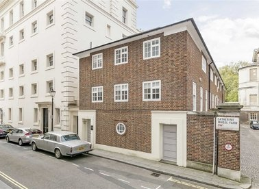Properties for sale in Catherine Wheel Yard - SW1A 1DR view1