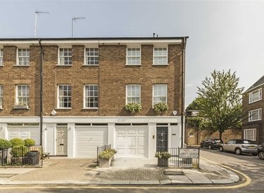 Properties for sale in Christchurch Terrace - SW3 4AJ view1