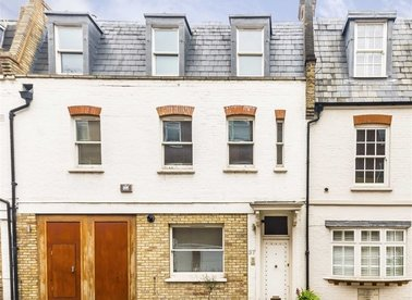 Properties for sale in Devonshire Place Mews - W1G 6DD view1