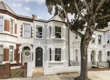 Properties for sale in Englewood Road - SW12 9PB view1