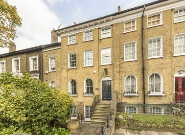 Properties for sale in Lansdowne Way - SW8 2EP view1