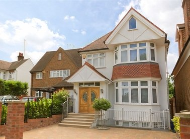 Properties for sale in Mount Avenue - W5 2QJ view1