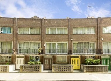 Properties for sale in Norfolk Crescent - W2 2YS view1