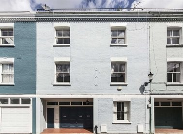 Properties for sale in Redfield Lane - SW5 0RQ view1