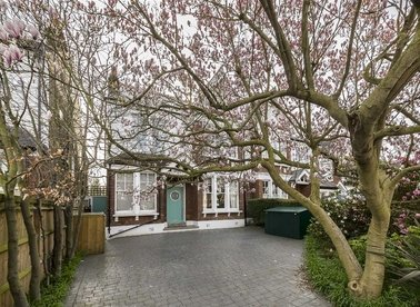Properties sold in Rodenhurst Road - SW4 8AF view1