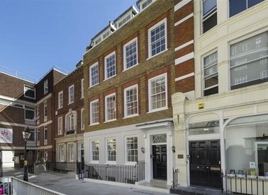 Properties for sale in Warwick Court - WC1R 5DJ view1