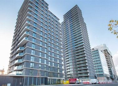 Properties to let in Glasshouse Gardens - E20 1HR view1