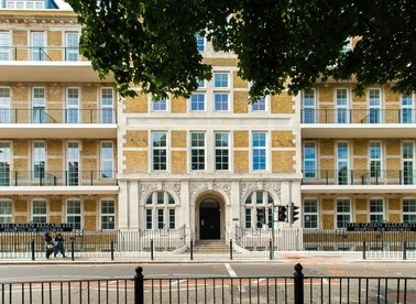 Properties to let in Goldsmith Row - E2 8PR view1