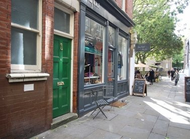 Properties to let in Lamb's Conduit Passage - WC1R 4RG view1