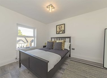 Properties to let in Mill Hill Road - W3 8JE view1