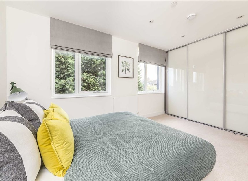 Properties for sale in Bourke Close - SW4 8ER view9