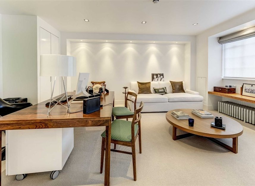 Properties for sale in Buckingham Place - SW1E 6HR view10