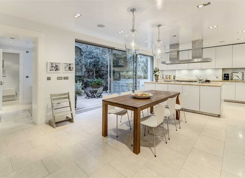 Properties for sale in Buckingham Place - SW1E 6HR view11