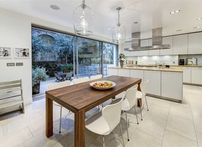 Properties for sale in Buckingham Place - SW1E 6HR view5