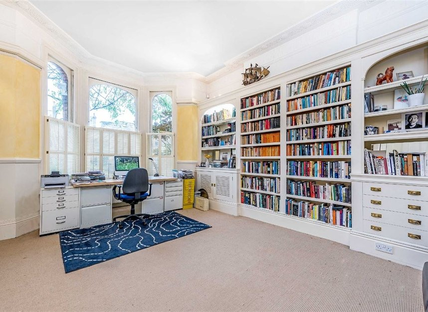 Properties for sale in Castelnau - SW13 9EX view8