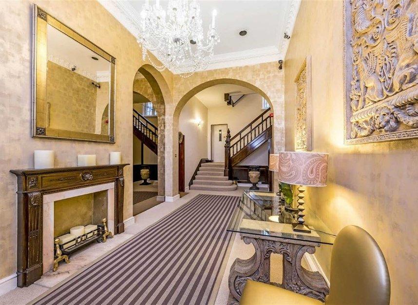 Properties for sale in Chelsea Embankment - SW3 4LF view6