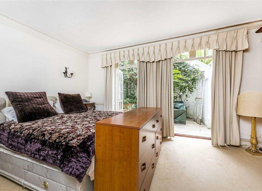 Properties for sale in Chelsea Embankment - SW3 4LF view4