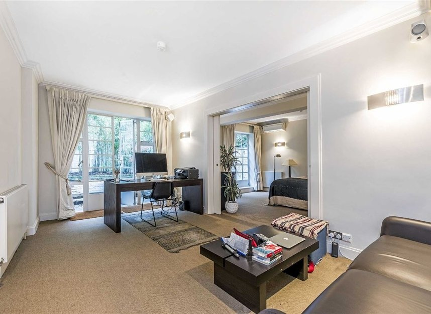 Properties for sale in Chesham Street - SW1X 8NG view3