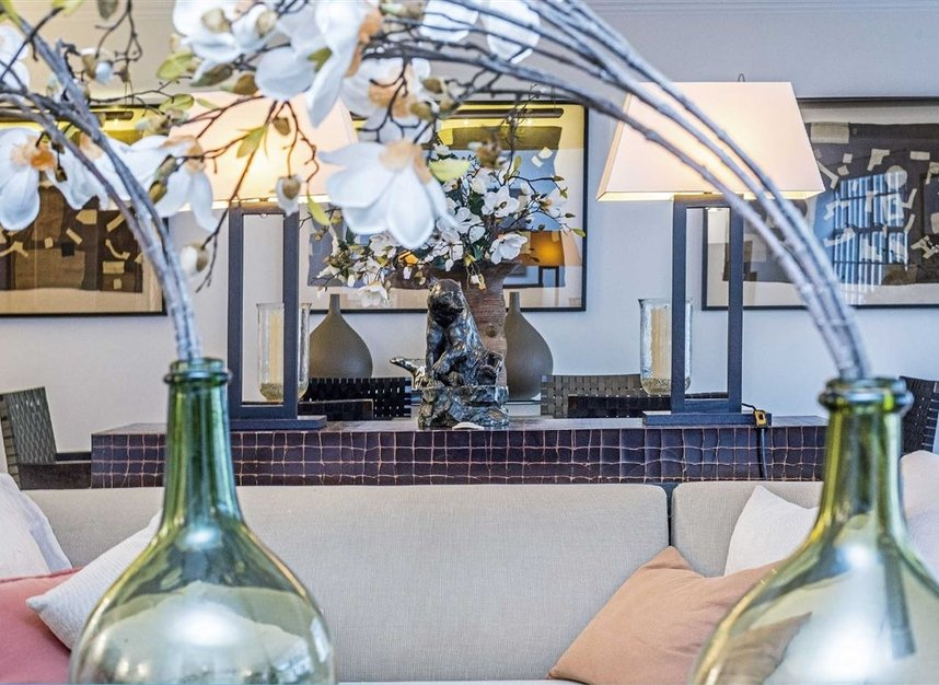 Properties for sale in Chesham Street - SW1X 8NG view2