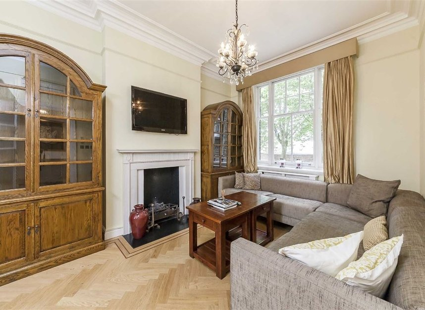 Properties for sale in Cheyne Place - SW3 4HH view9