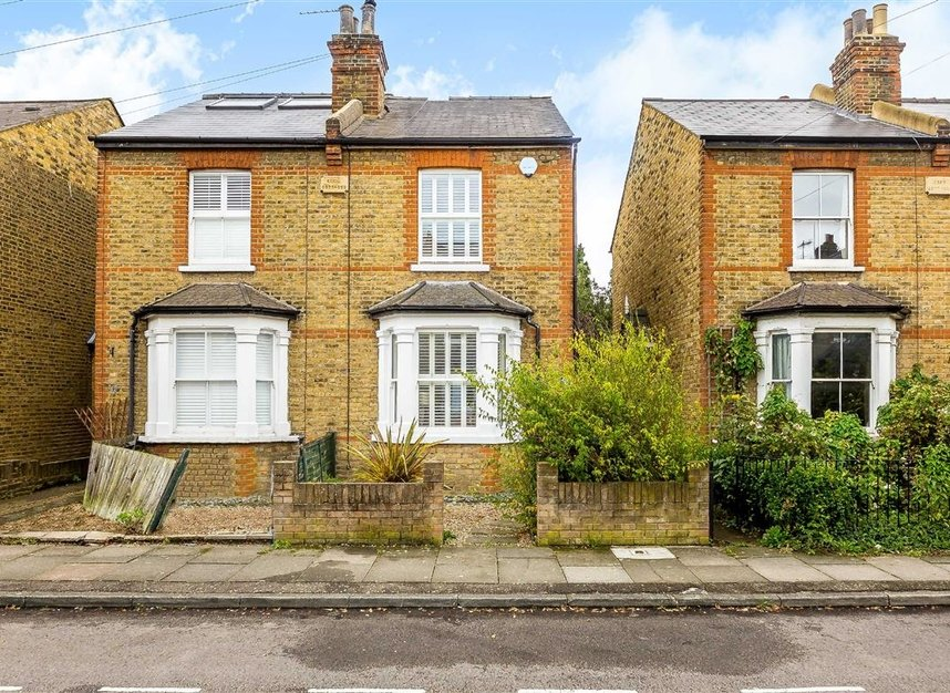 Properties for sale in Craven Road - KT2 6LW view1