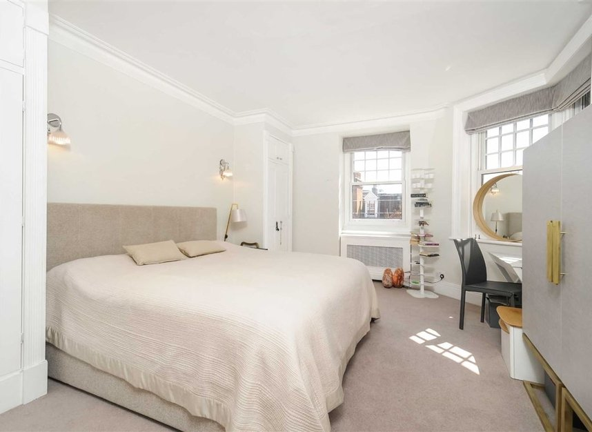 Properties for sale in Draycott Place - SW3 2SA view2