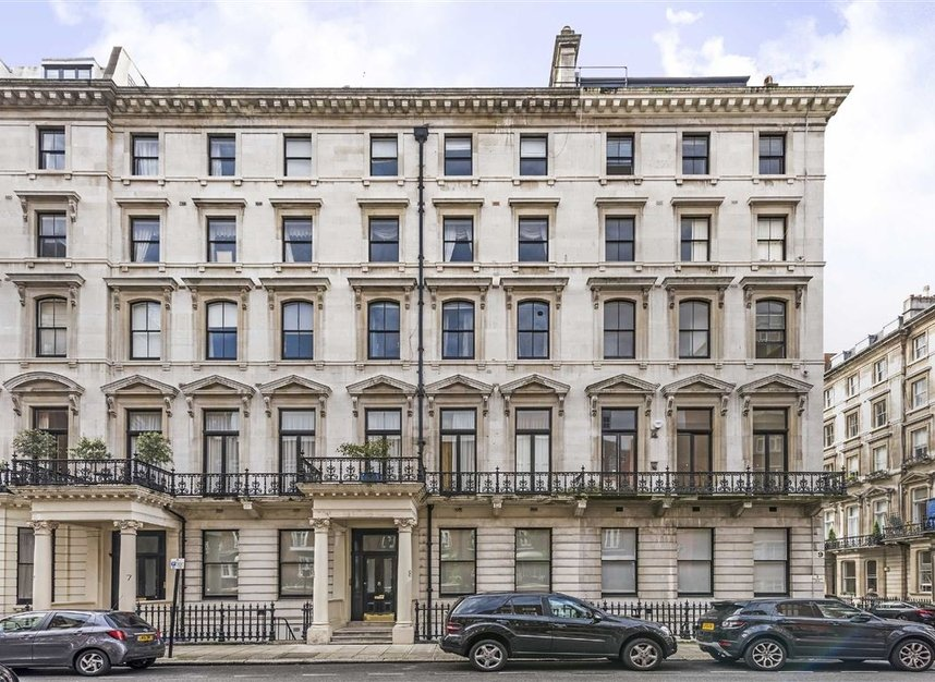 Properties for sale in Ennismore Gardens - SW7 1NL view1