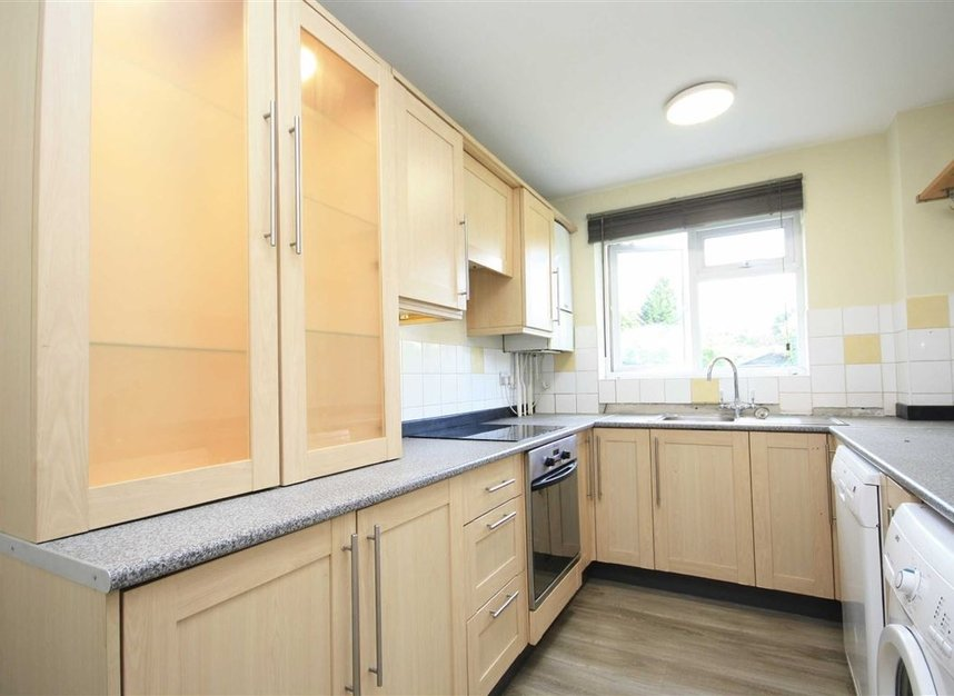 Properties for sale in Galsworthy Road - KT2 7BL view3