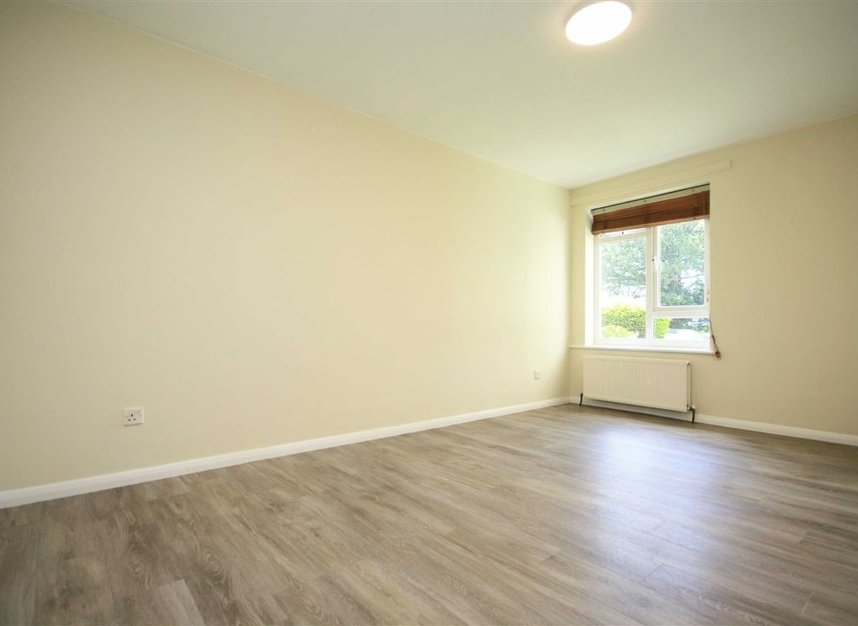Properties for sale in Galsworthy Road - KT2 7BL view4
