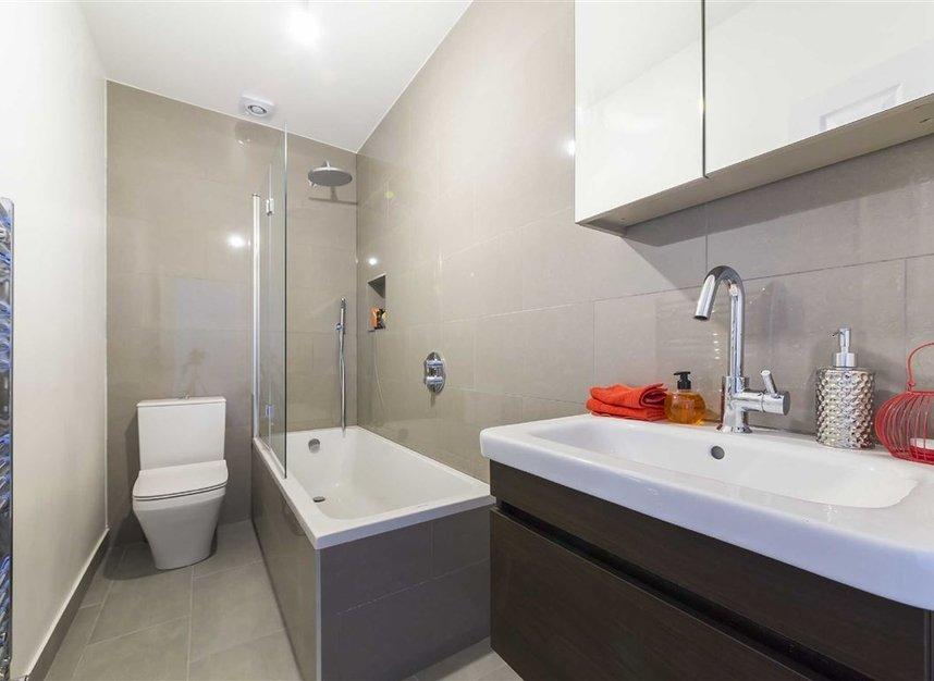 Properties sold in Gowrie Road - SW11 5NR view4