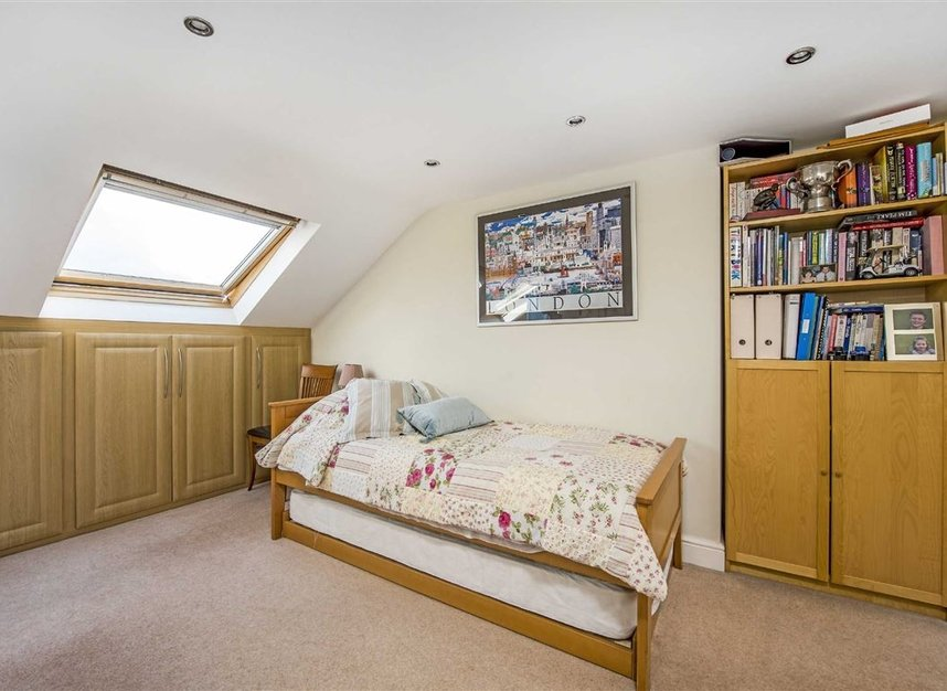 Properties for sale in Graham Road - SW19 3SW view9
