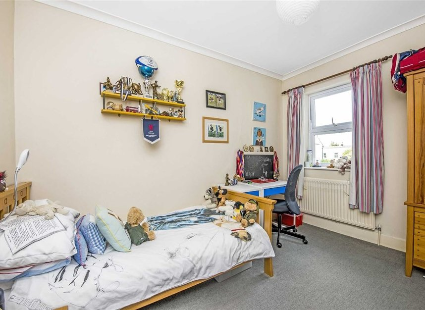 Properties for sale in Graham Road - SW19 3SW view8