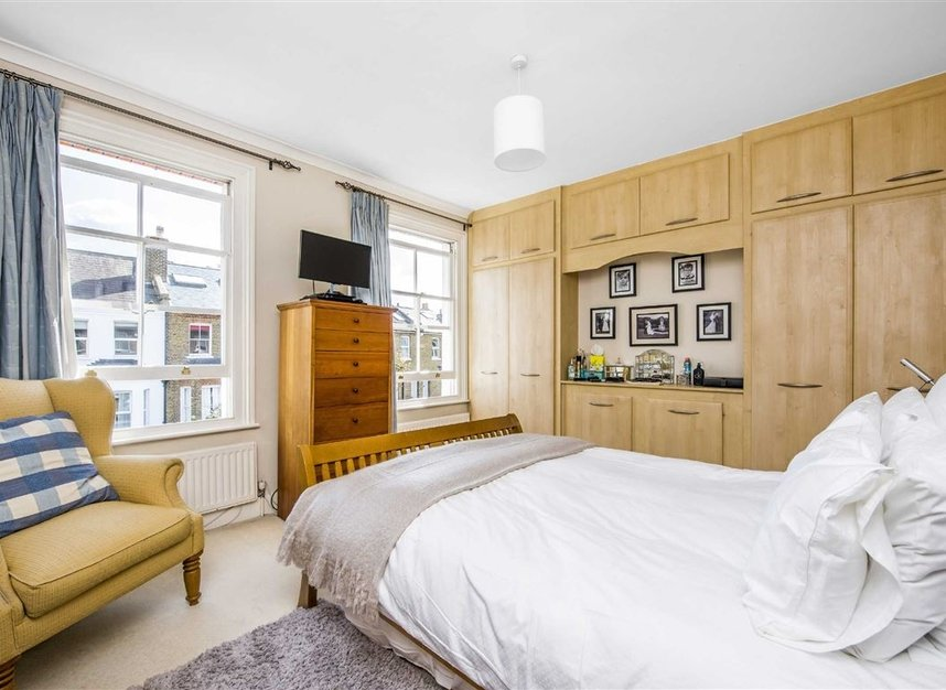Properties for sale in Graham Road - SW19 3SW view6