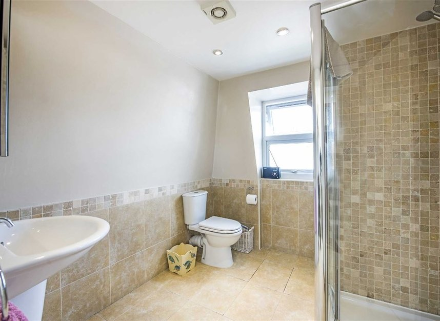 Properties for sale in Graham Road - SW19 3SW view7