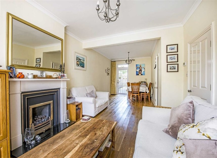 Properties for sale in Graham Road - SW19 3SW view5