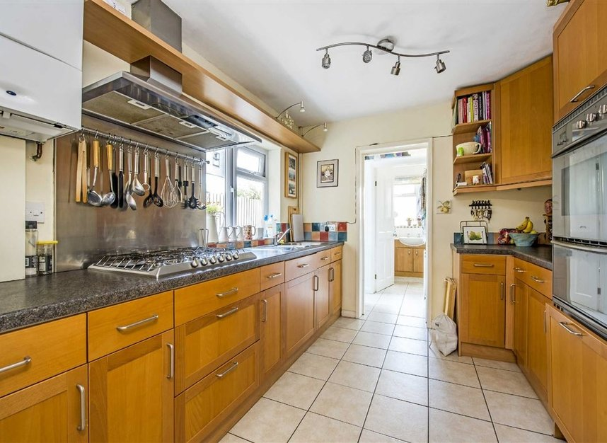 Properties for sale in Graham Road - SW19 3SW view3