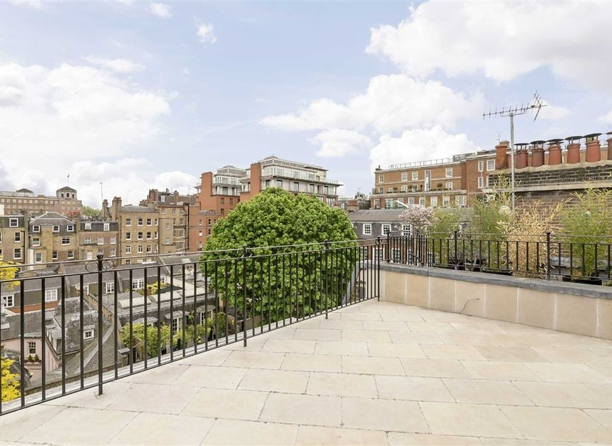 Properties for sale in Green Street - W1K 7FS view7