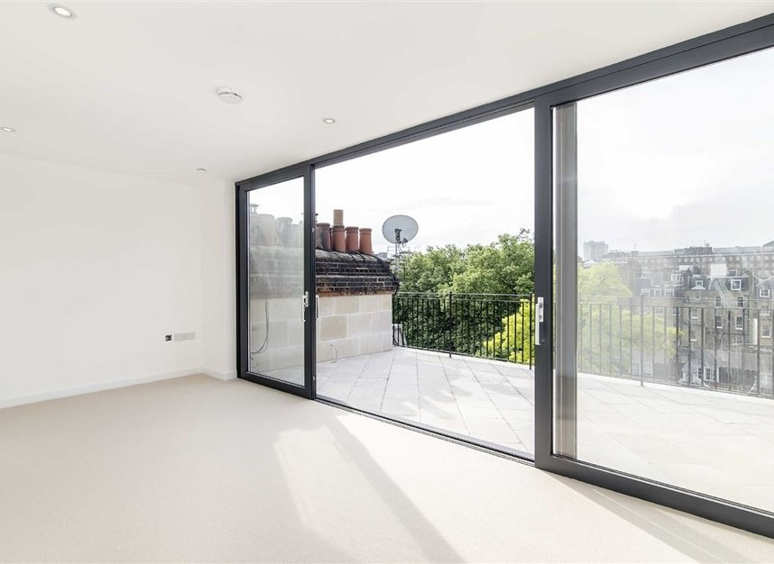 Properties for sale in Green Street - W1K 7FS view4