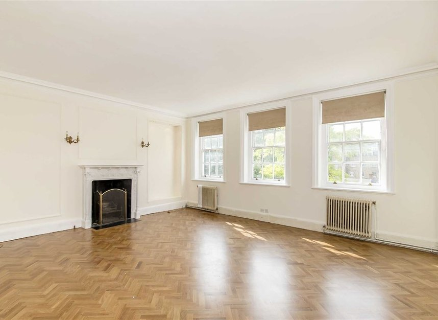 Properties for sale in Green Street - W1K 7FS view5