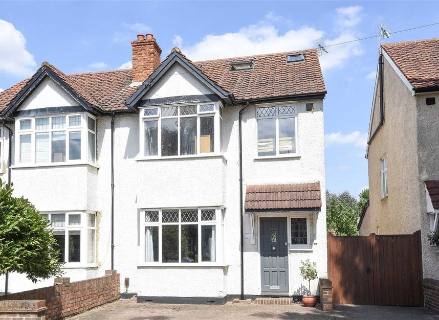 Properties for sale in Hatherop Road - TW12 2RH view1