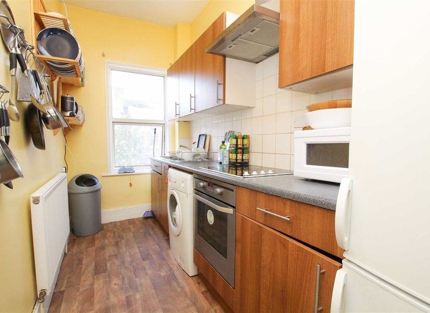 Properties for sale in Hemberton Road - SW9 9LE view3