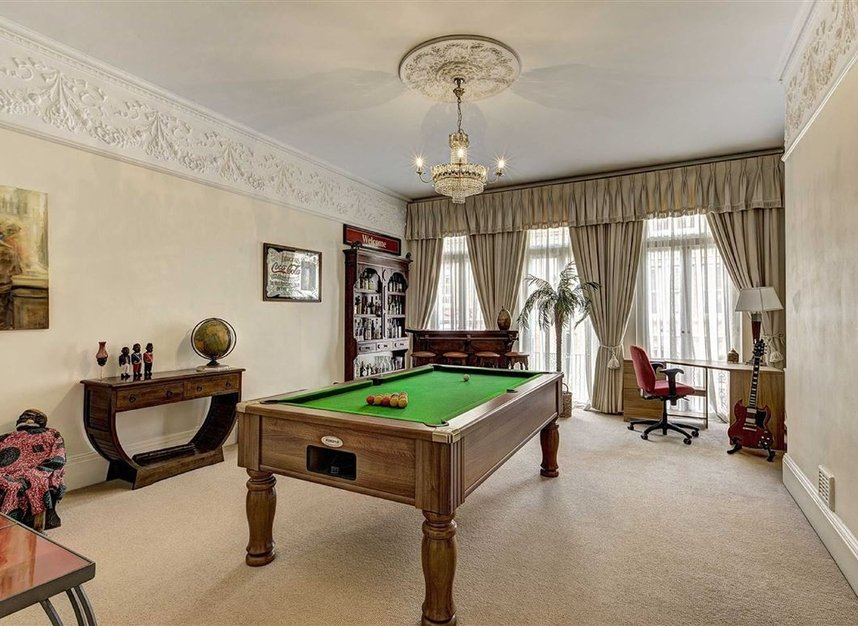 Properties for sale in Kensington Court - W8 5DT view8