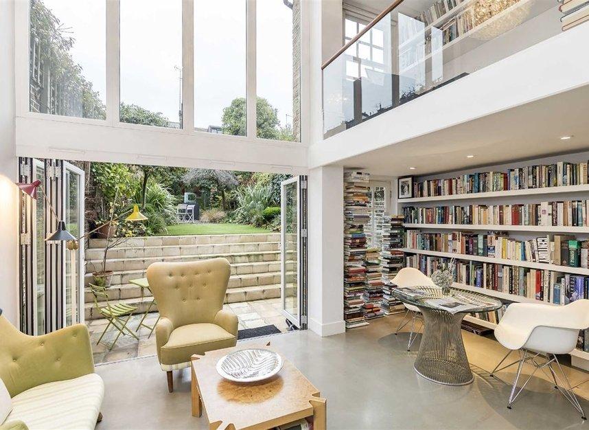 Properties for sale in Ladbroke Grove - W11 3BQ view2