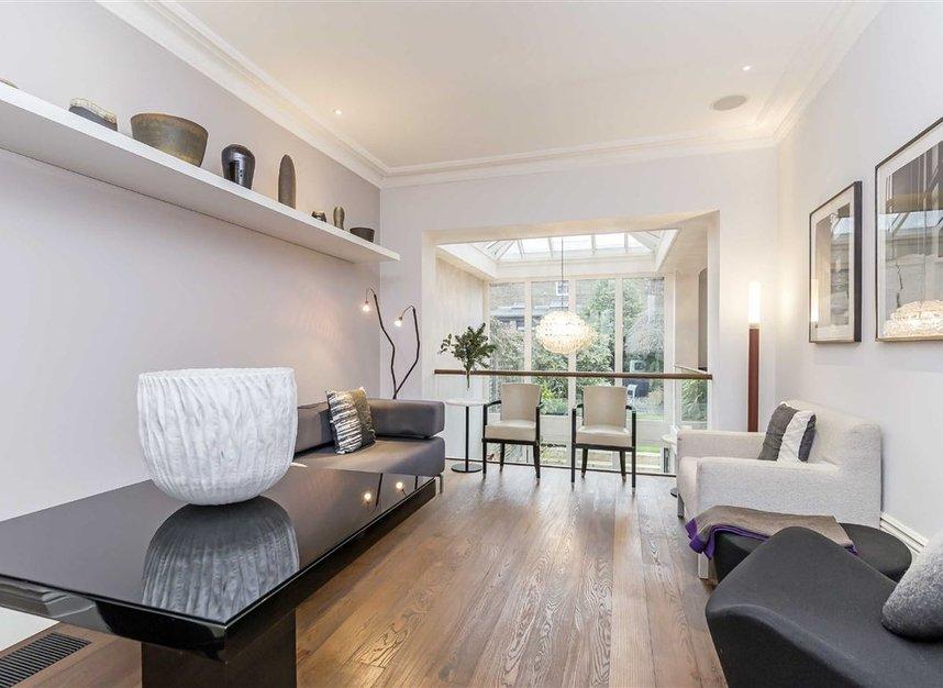 Properties for sale in Ladbroke Grove - W11 3BQ view10