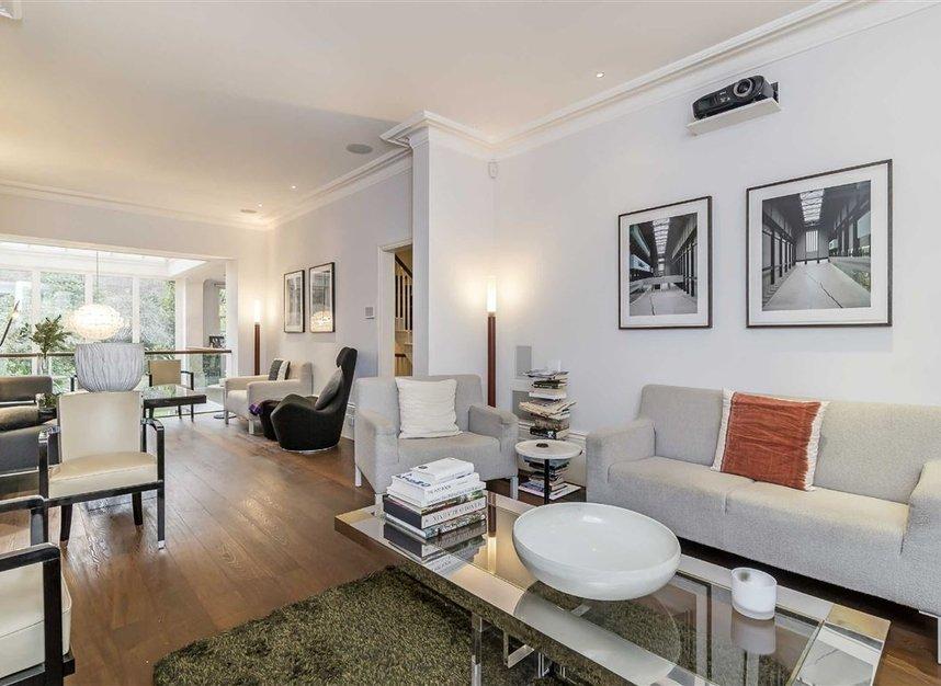 Properties for sale in Ladbroke Grove - W11 3BQ view3