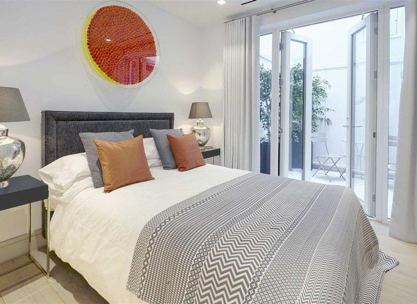 Properties for sale in Ladbroke Grove - W11 2HE view6
