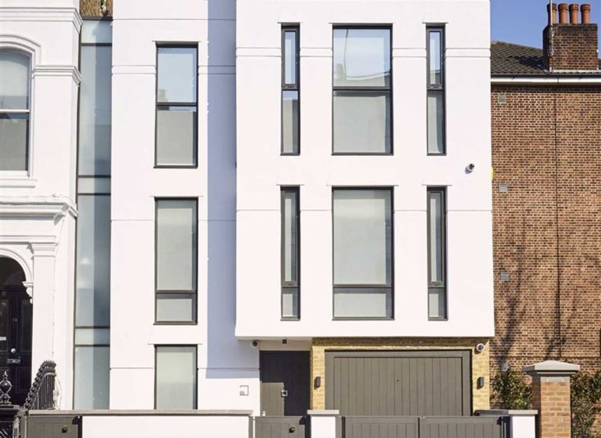 Properties for sale in Ladbroke Grove - W11 2HE view1