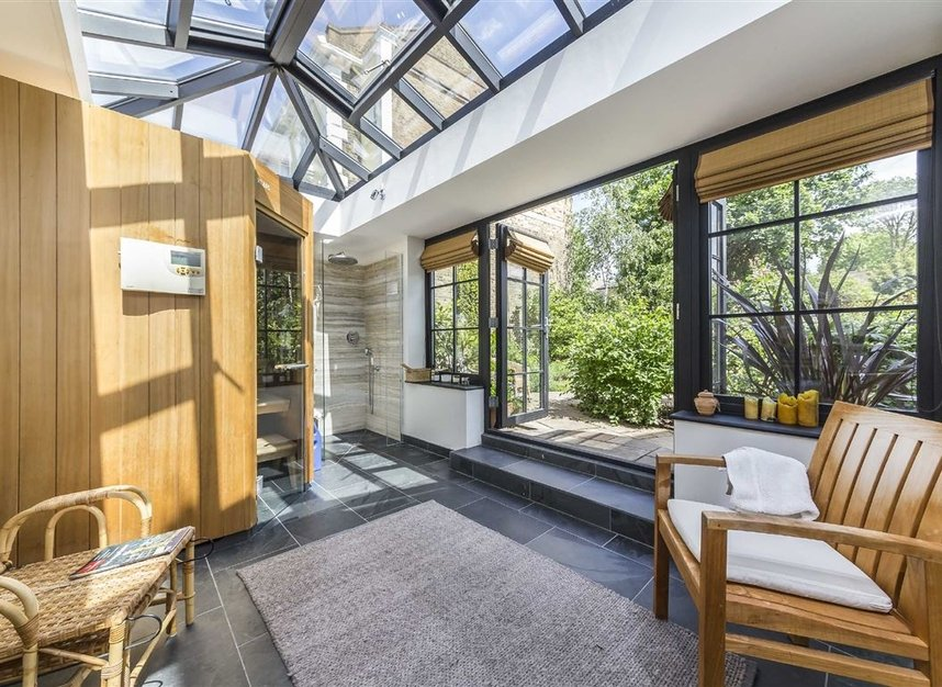 Properties for sale in Lansdowne Gardens - SW8 2EQ view8