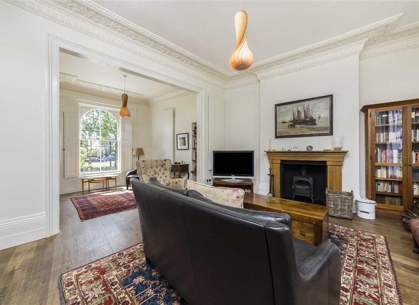 Properties for sale in Lansdowne Gardens - SW8 2EQ view2