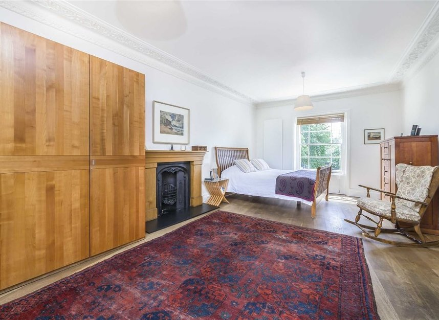 Properties for sale in Lansdowne Gardens - SW8 2EQ view7
